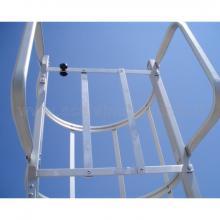 Scale con gabbia maniglioni di sbarco e cancelletto in quota