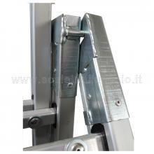 Scala con fune 2 rampe 10 gradini e base regolabile particolare snodi