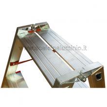 Scala in alluminio a doppia salita professionale 2 gradini particolare 2