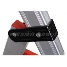 Sgabello in alluminio 4 gradini con vaschetta particolare