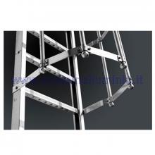 Scale con gabbia di protezione in acciaio terminali su richiesta