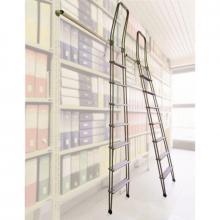 Scale con ganci in alluminio 9 gradini in appoggio a libreria aperta e chiusa