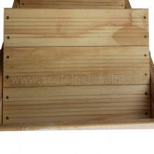 Sgabello 3 gradini in legno vario non verniciato visto da sopra