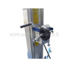 Elevatore a sfilo manuale - sollevamento con fune in acciaio a mezzo argano manuale